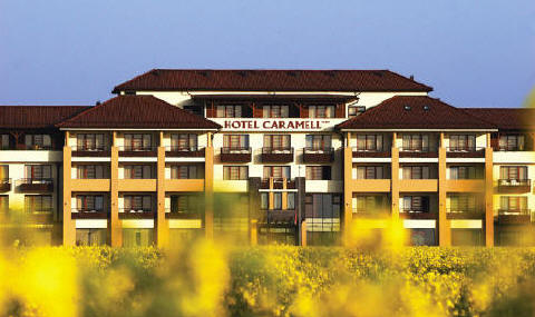 Hotel caramell b k ungarn b kf rd therme for Design hotel ungarn